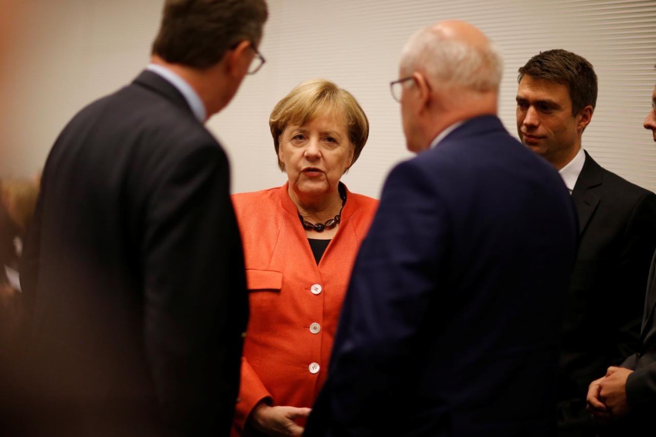 German political grandees press parties to compromise for stability