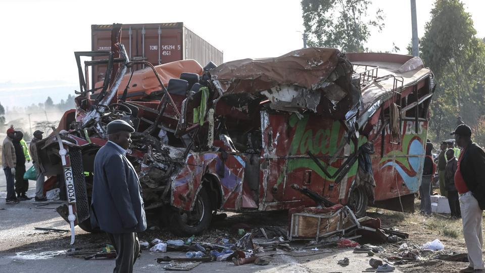 30 dead in central Kenya bus crash