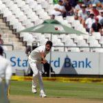 Kumar has South Africa reeling but de Villiers leads fight back in 1st Test