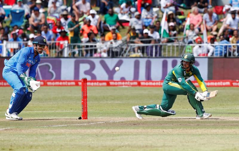 Wicketkeeper De Kock adds to South Africa's injury woes