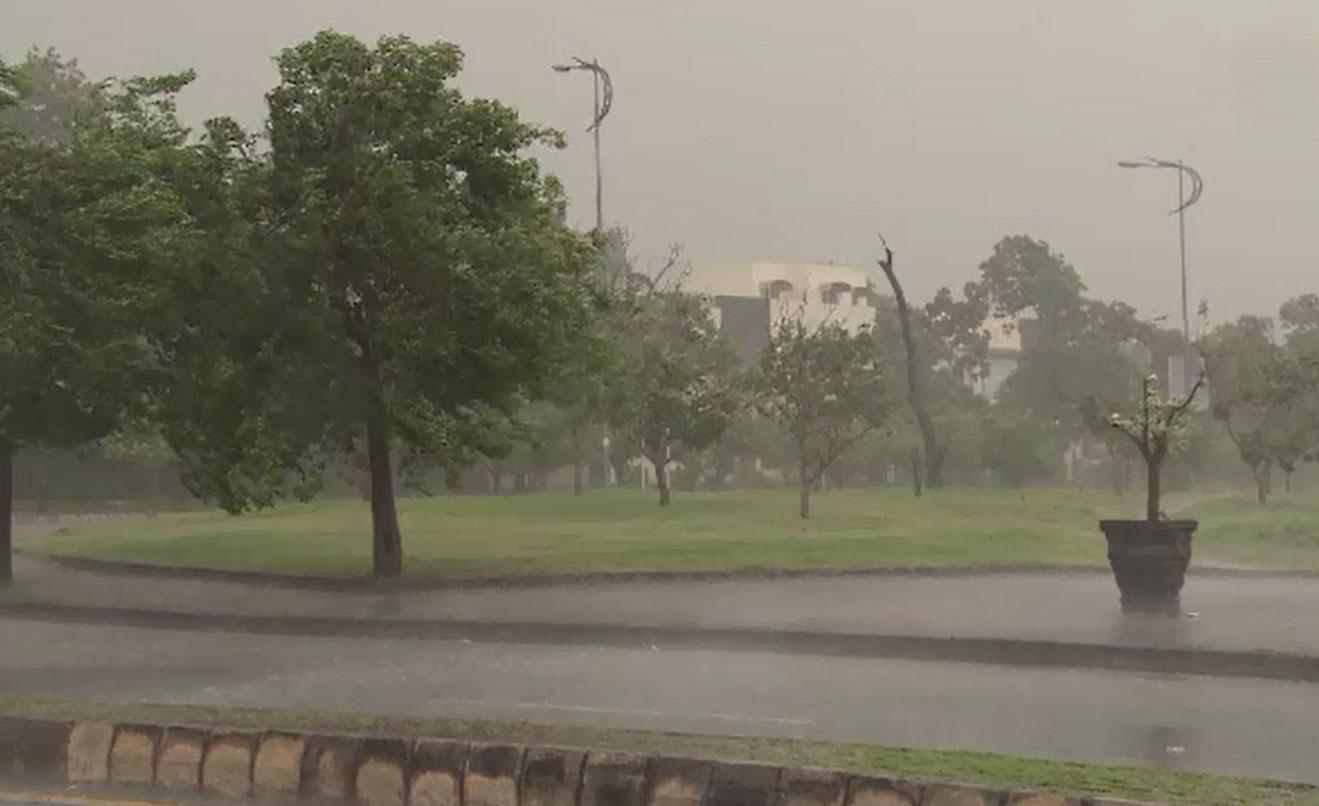 Rain turns weather pleasant across Punjab