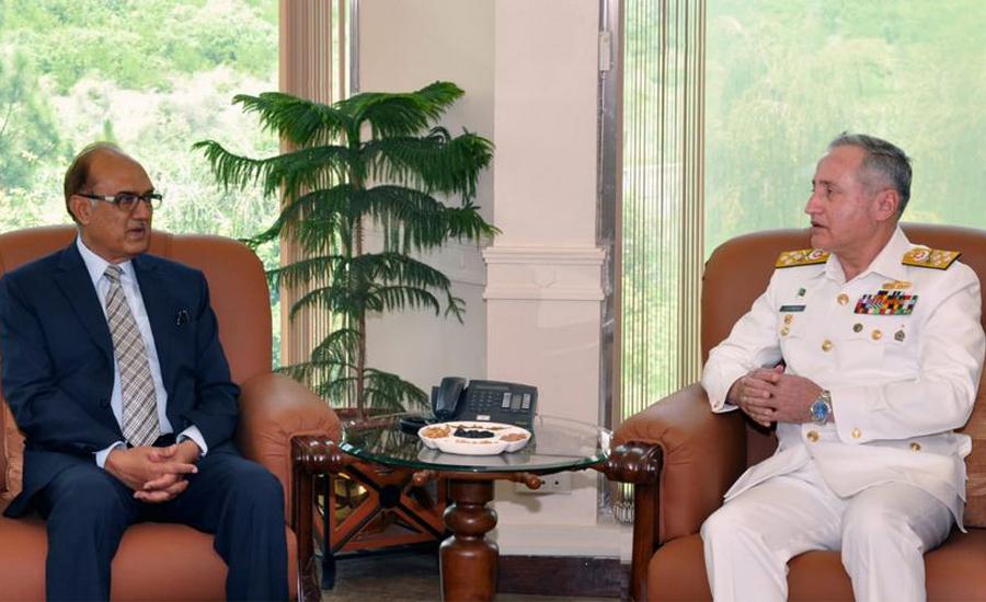 Defence Minister Lt Gen (retd) Naeem Lodhi calls on CNS Zafar Mahmood
