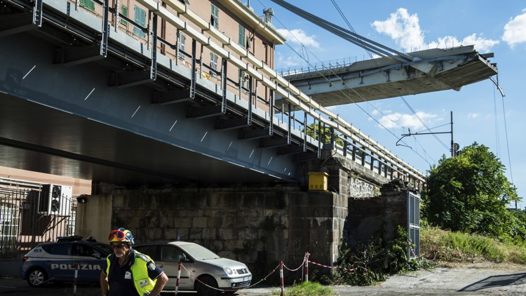 Autostrade vows to rebuild bridge; stops short of apology