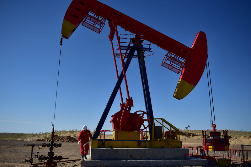 Top oil hedge funds suffer big losses after July price plunge