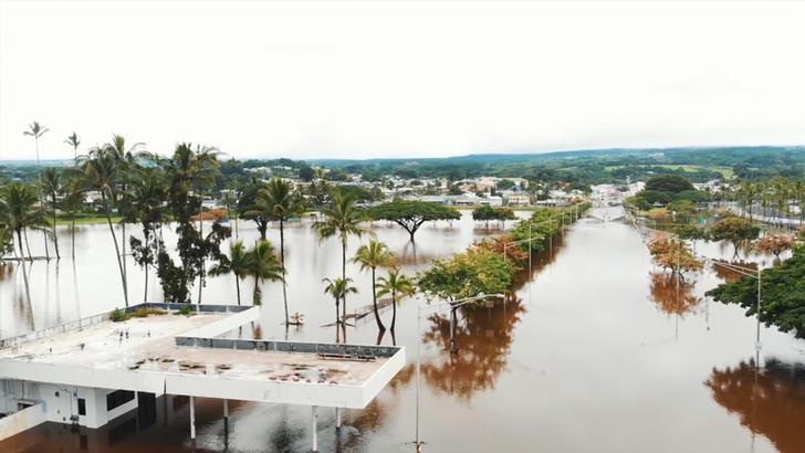 Tropical Storm Lane threatens more Hawaii floods as it turns away
