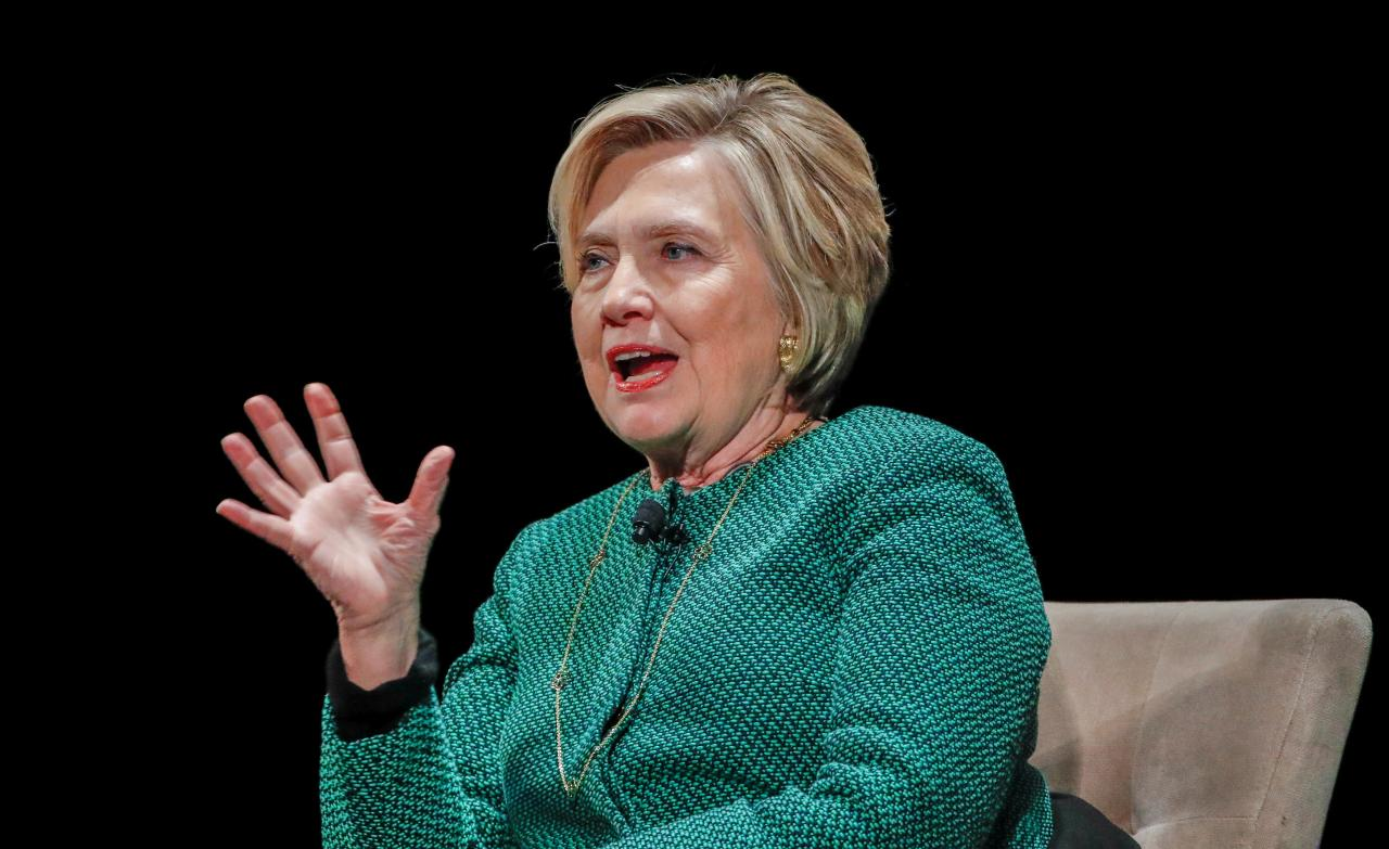 Hillary Clinton jokes about email in 'Murphy Brown' return to TV