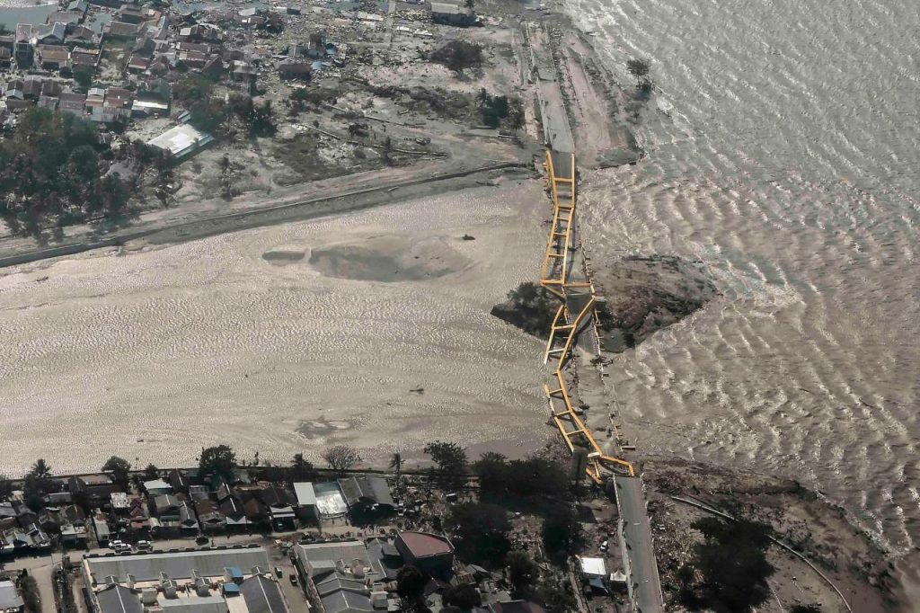 indonesia searches for survivors after powerful quake tsunami 92