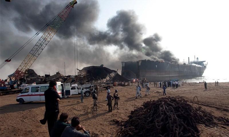 Eight laborers burnt as fire erupts in Gadani ship-breaking yard