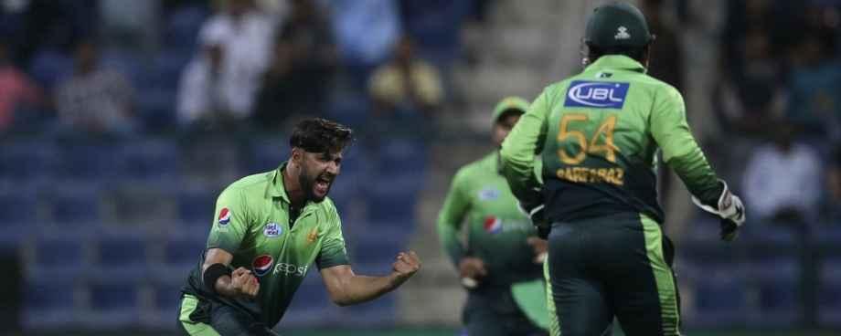 Amir dropped for Australia T20I squad as Imad Wasim returns