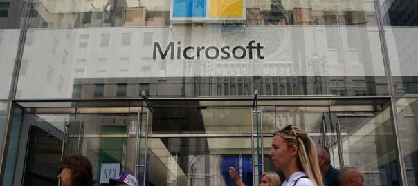 Microsoft Corp. ,Pentagon's $10 billion, cloud computing contract,,beating ,Amazon.com Inc.