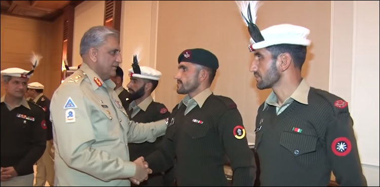 Army chief lauds Pak Army team for winning gold medal in UK