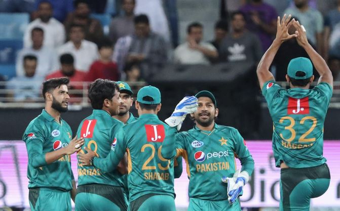 Dramatic collapse helps Pakistan secure T20I clean sweep against Kiwis