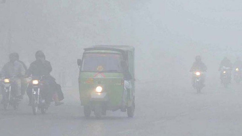 Thick fog blankets several cities in Punjab