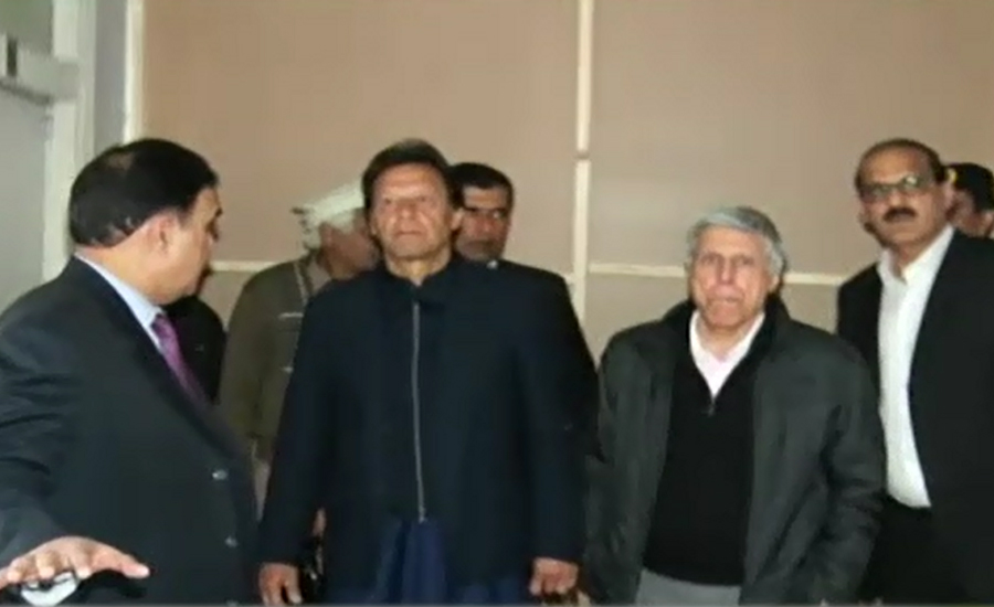 Prime Minister Imran Khan visits PIMS Hospital without protocol