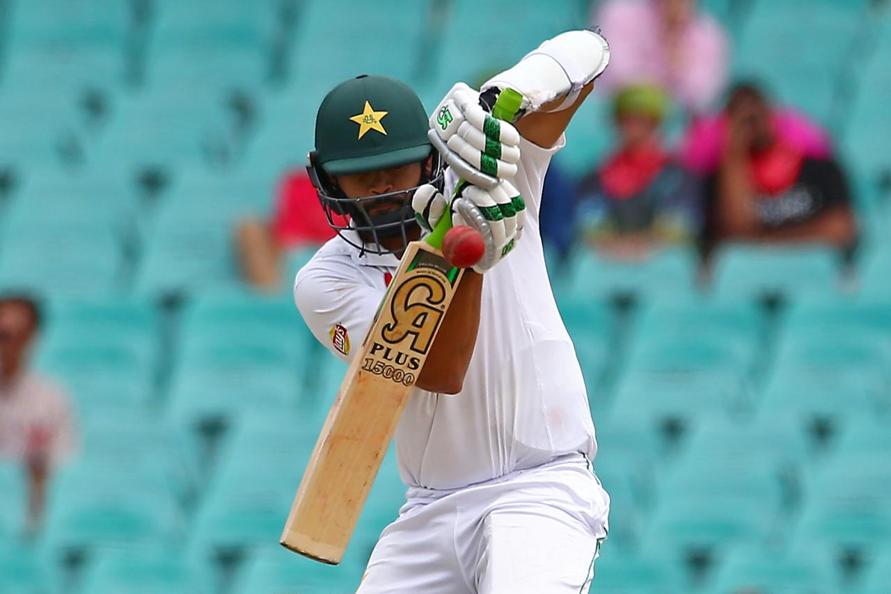 Gritty Azhar leads Pakistan out of trouble in final Test