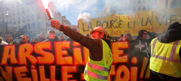 Yellow vest, Paris, President Emmanuel Macron, policies