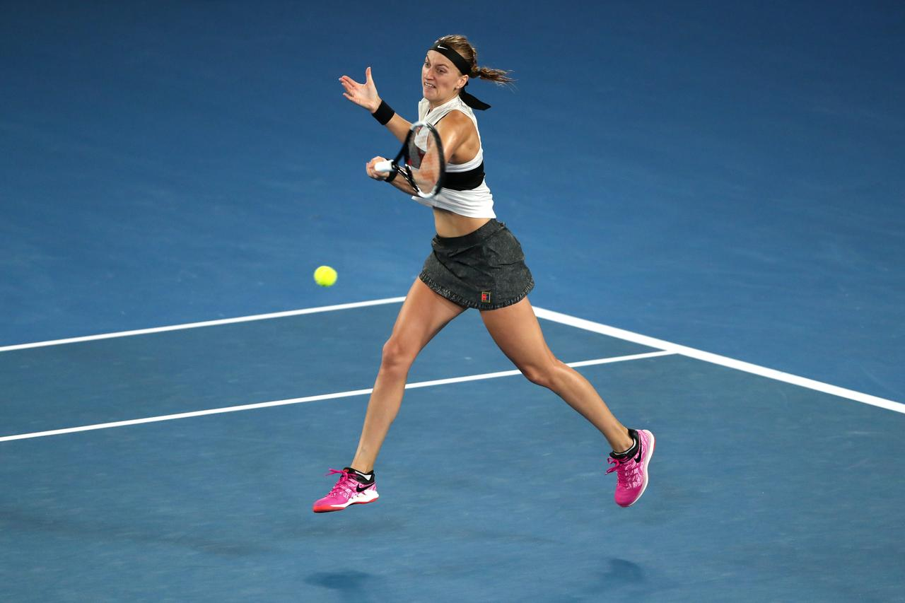Kvitova swats aside Collins to reach Australian Open final