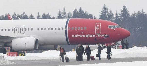 Norwegian plane bomb threat Stockholm airport Norwegian