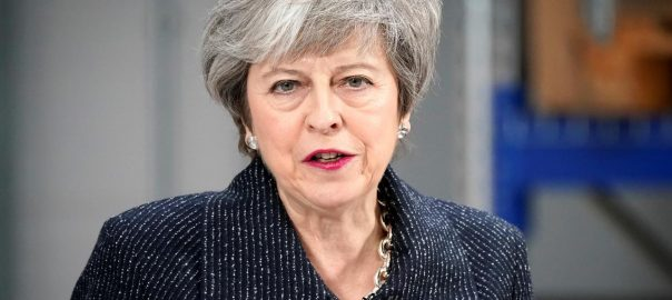 'Brexit, peril, PM May, defeat