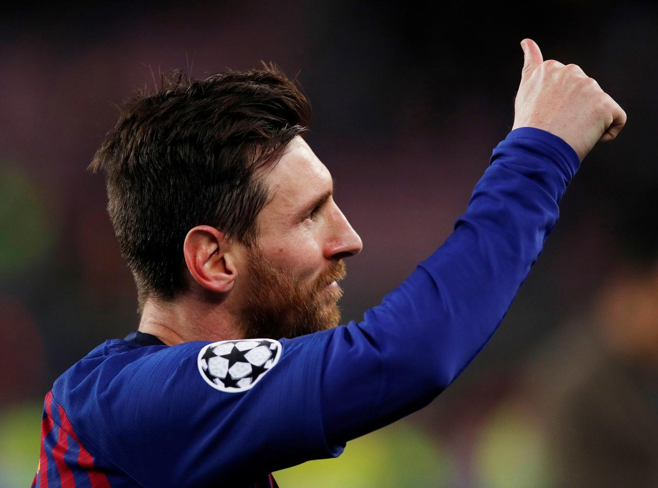 Barca reach semis with Messi exhibition against Man United in Champions League