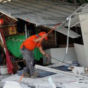 Rescuers, race, find, survivors, Philippine, quake