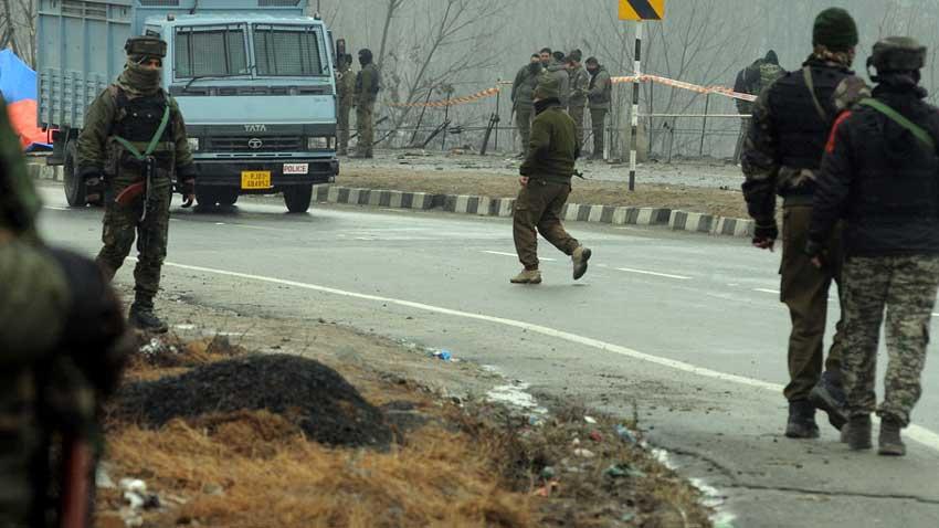 Indian troops arrest 44 youth in crackdown in Shopian, Pulwama