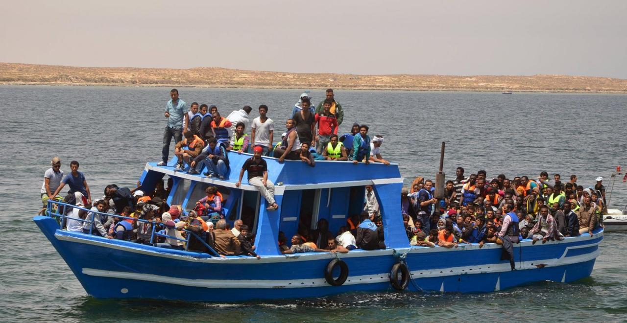 Dozens, migrants, drown, Tunisia, coast, Libya
