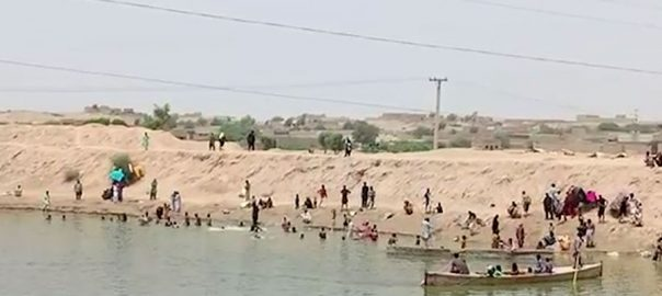 Indus river capsizes Riverpeople drown rescue capsizes women children
