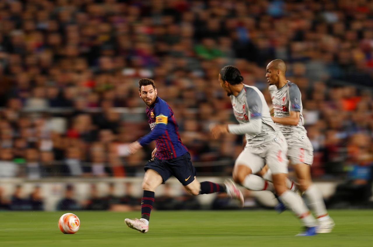After Messi mauling Liverpool face reunion with Benitez