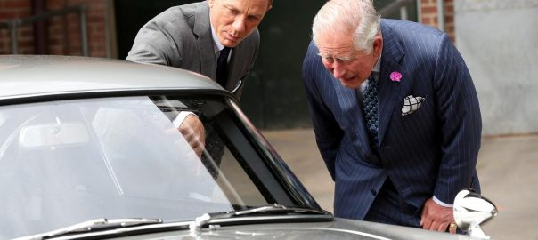 Bond Bond Film Prince royal visit