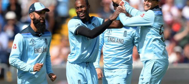 England, Archer, Wood, restrict, Sri Lanka, 232, World Cup