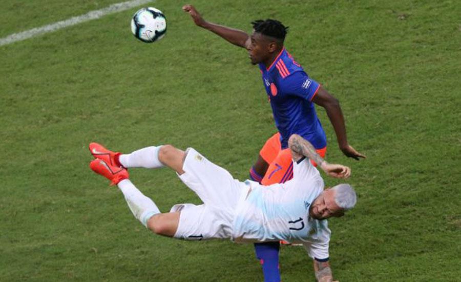 Martinez cracker helps Colombia past Argentina