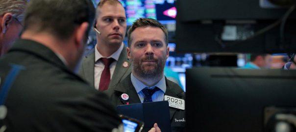 us stocks oil crude brent economic growth dollar gold benchmarks