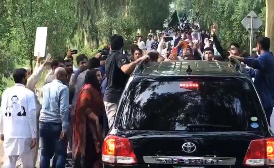 Maryam Nawaz on her way to Faisalabad rally despite odds