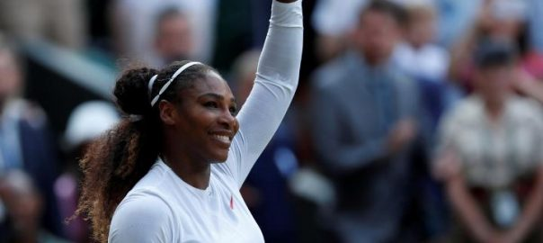 Serena, scraps, through, unexpected, dogfight, second, round