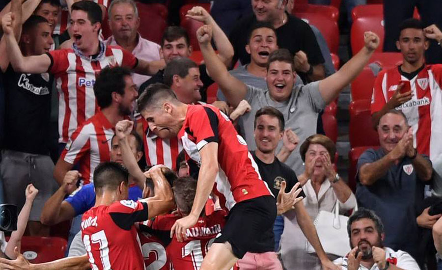 Barca beaten in Bilbao by thunderous strike from Aduriz