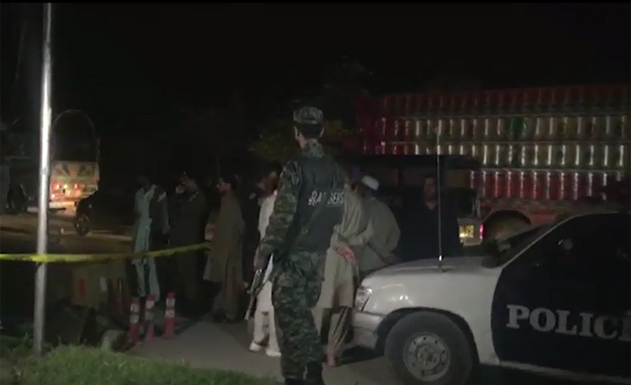 Two cops martyred by unknown attackers at Islamabad roadblock
