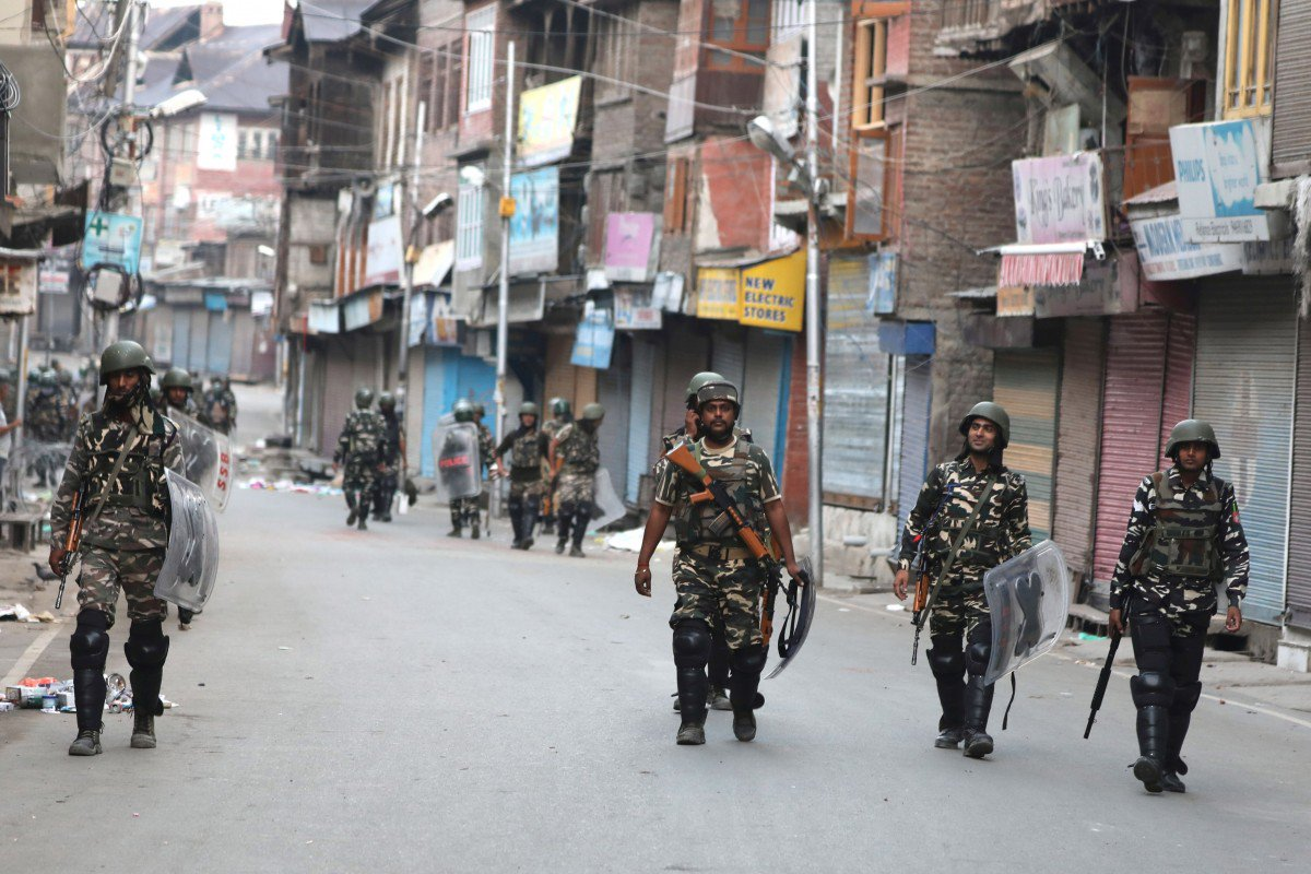 Curfew, lockdown enters 54th day in IoK