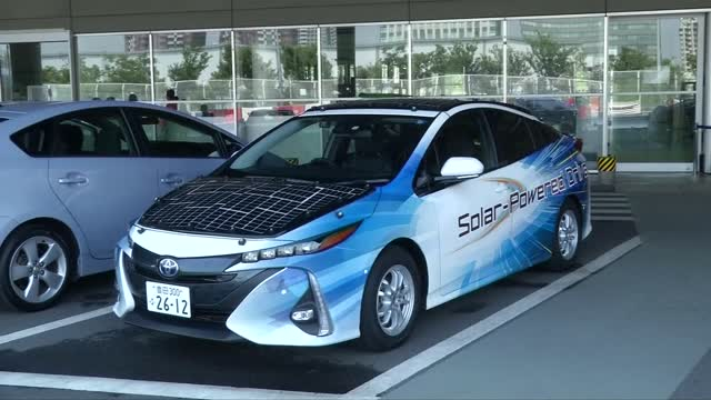 toyota,prius,driver,car,battery,solar energy,sun,charge