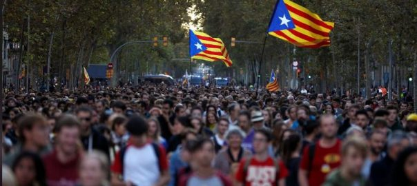 Catalans, keep up, pressure, split, Spain, second day, protests