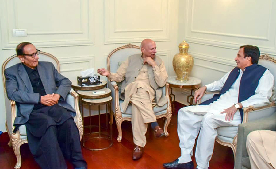 Punjab governor, Chaudhry brothers, discuss strategy to fail Azadi March