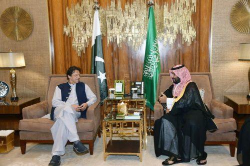 PM Imran Khan, meets, King Salman, Crown Prince, Saudi-Iran tension