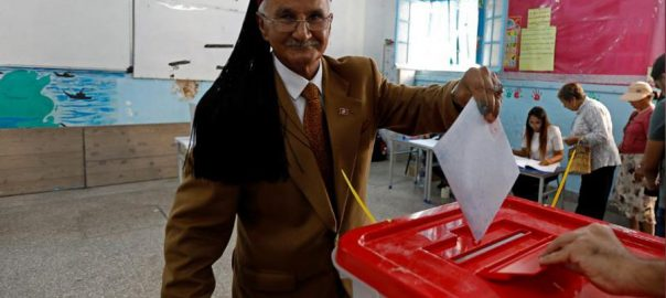 Tunisians, vote, new, parliament, tough, economic, moment