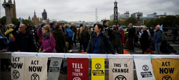 London, police, 21, climate change, protesters, mass action, starts