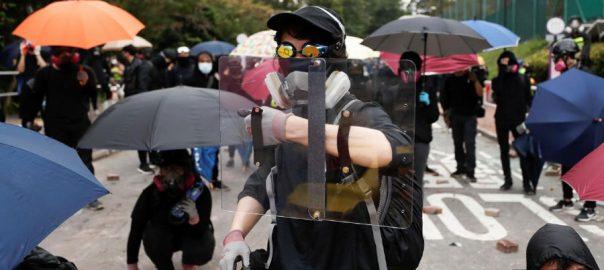 Hong Kong Hong Kong Police tear gas transport chaos grip city