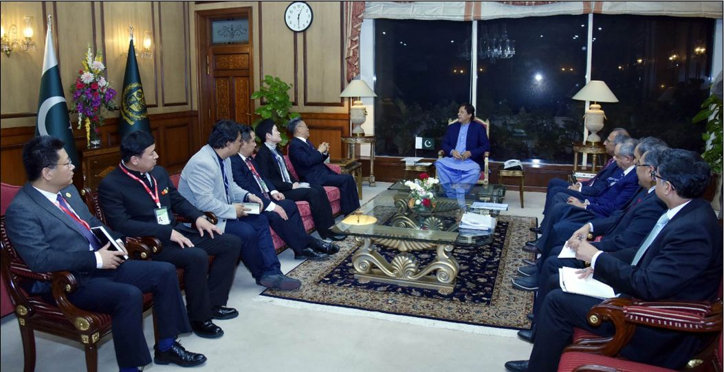 PM Imran Khan invites Chinese companies to invest in diverse sectors