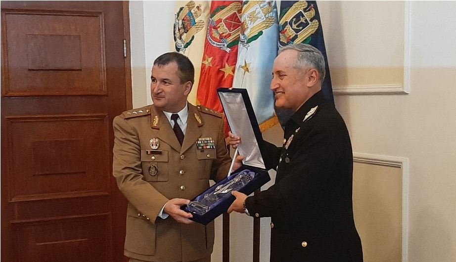 Navy chief meets Romanian Chief of Defence Staff, Chief of Naval Forces