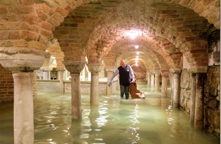 Venice, devastated, second, highest, tide, history