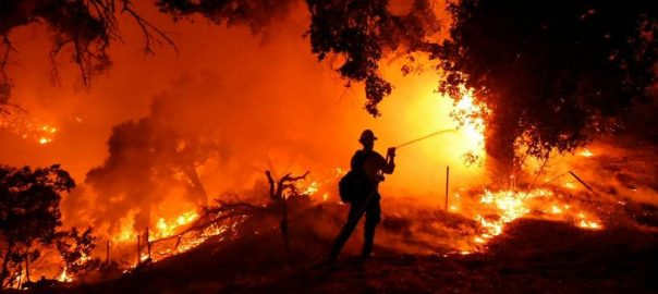 Fire ,brush,woodland ,Santa Barbara, California, authorities ,2,000 residents ,cany ,flee