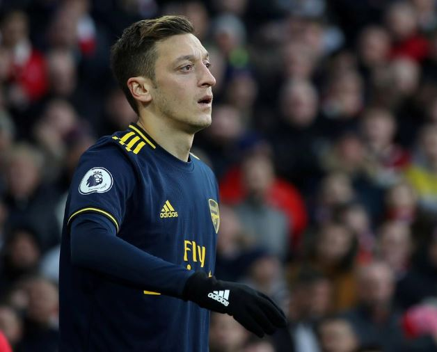 Arsenal, distances, midfielder Ozil's, comments, China, Uighurs